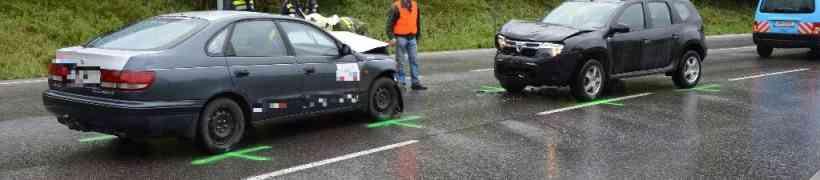 PKW-Bergung beim Kreisverkehr Baumax