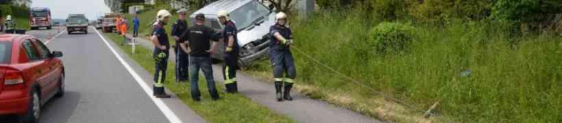 PKW Bergung nach Verkehrsunfall